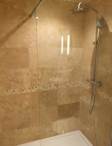 Chambre l'essert shower