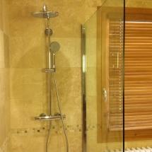 Chambre La Famille Shower