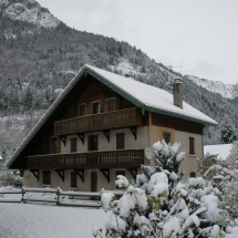 Chalet Alys in snow