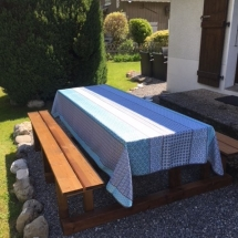 chalet alys garden table with tablecloth